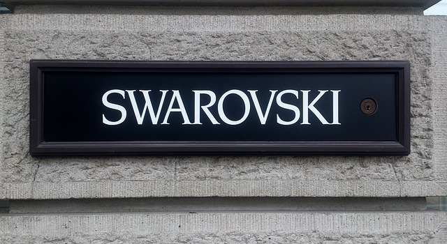 swarovski-527969_640
